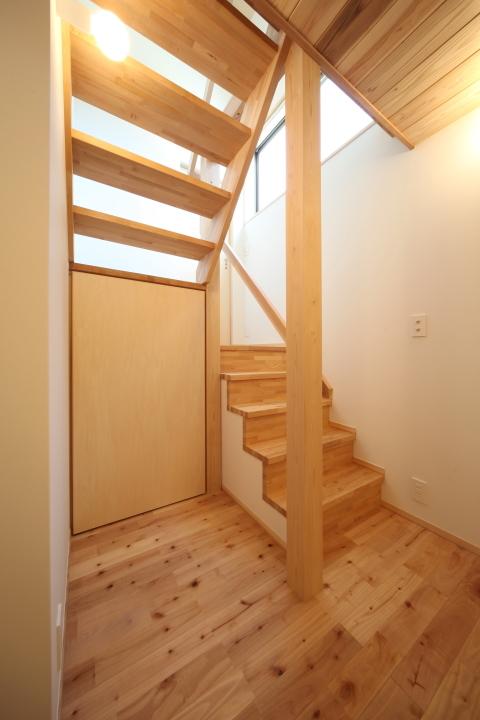 「薬師山の家」竣工写真_b0179213_18162211.jpg