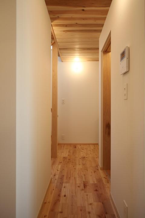「薬師山の家」竣工写真_b0179213_18170102.jpg