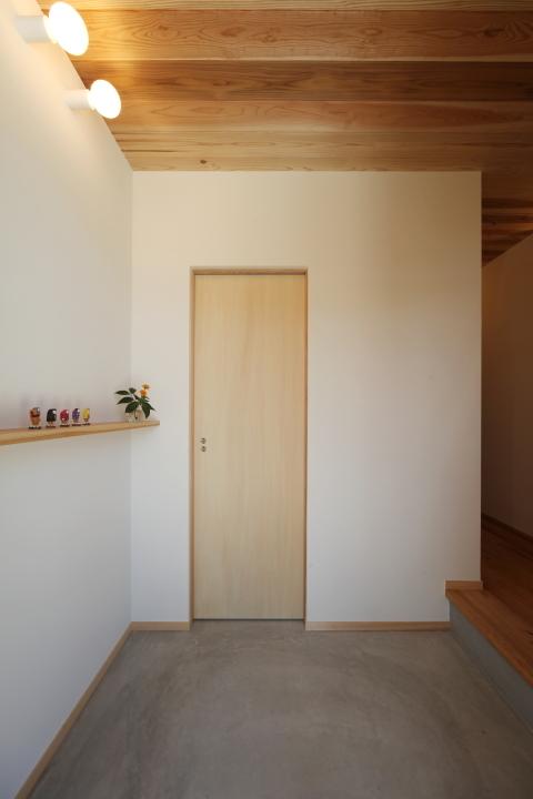 「薬師山の家」竣工写真_b0179213_18173324.jpg