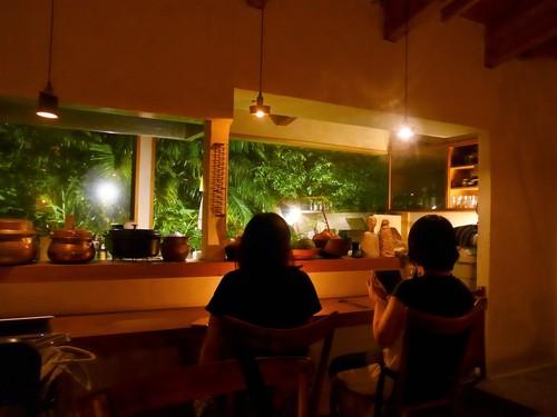 沖縄・南城市「料理 胃袋」へ行く。_f0232060_1094853.jpg