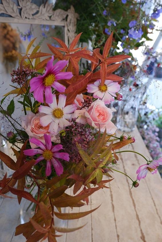 オークリーフ花の教室(赤地さんと宮原さんの作品)_f0049672_18381084.jpg