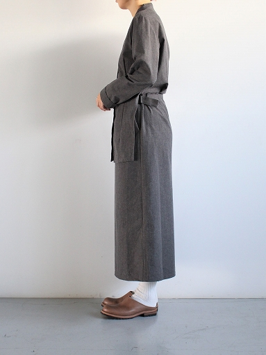 THE HINOKI Cotton Horse Cloth Collarless Dress / Charcoal Brown_b0139281_1392694.jpg