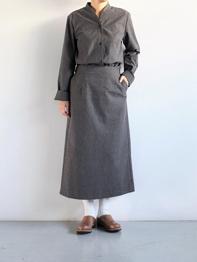 THE HINOKI Cotton Horse Cloth Collarless Dress / Charcoal Brown_b0139281_1394398.jpg