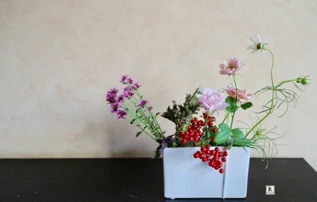 秋色のお花が揃ってきました! 今月の「おうちに花を飾る」_c0128489_21461492.jpg
