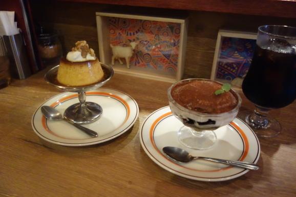 チーズ喫茶 吾輩は山羊であるさんでプリンと珈琲ゼリー_e0230011_17185014.jpg