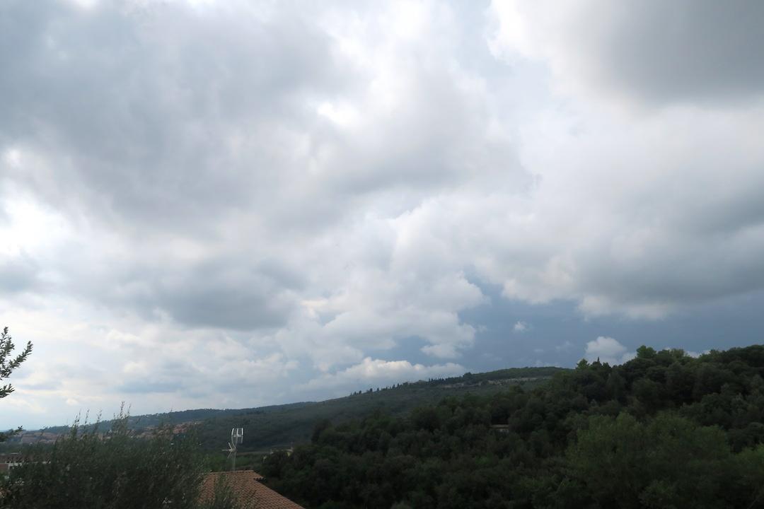 秋深むる雷雨と謎の自動車保険、ペルージャ_f0234936_6113376.jpg