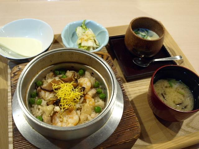 串坊 会席料理 たいしょう その2(五目釜めし)_d0153062_16332424.jpg