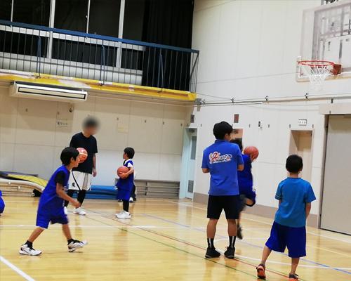 スポーツ少年のママの連休は超多忙!バスケ・卓球・ドッチボール_d0169072_12115939.jpg