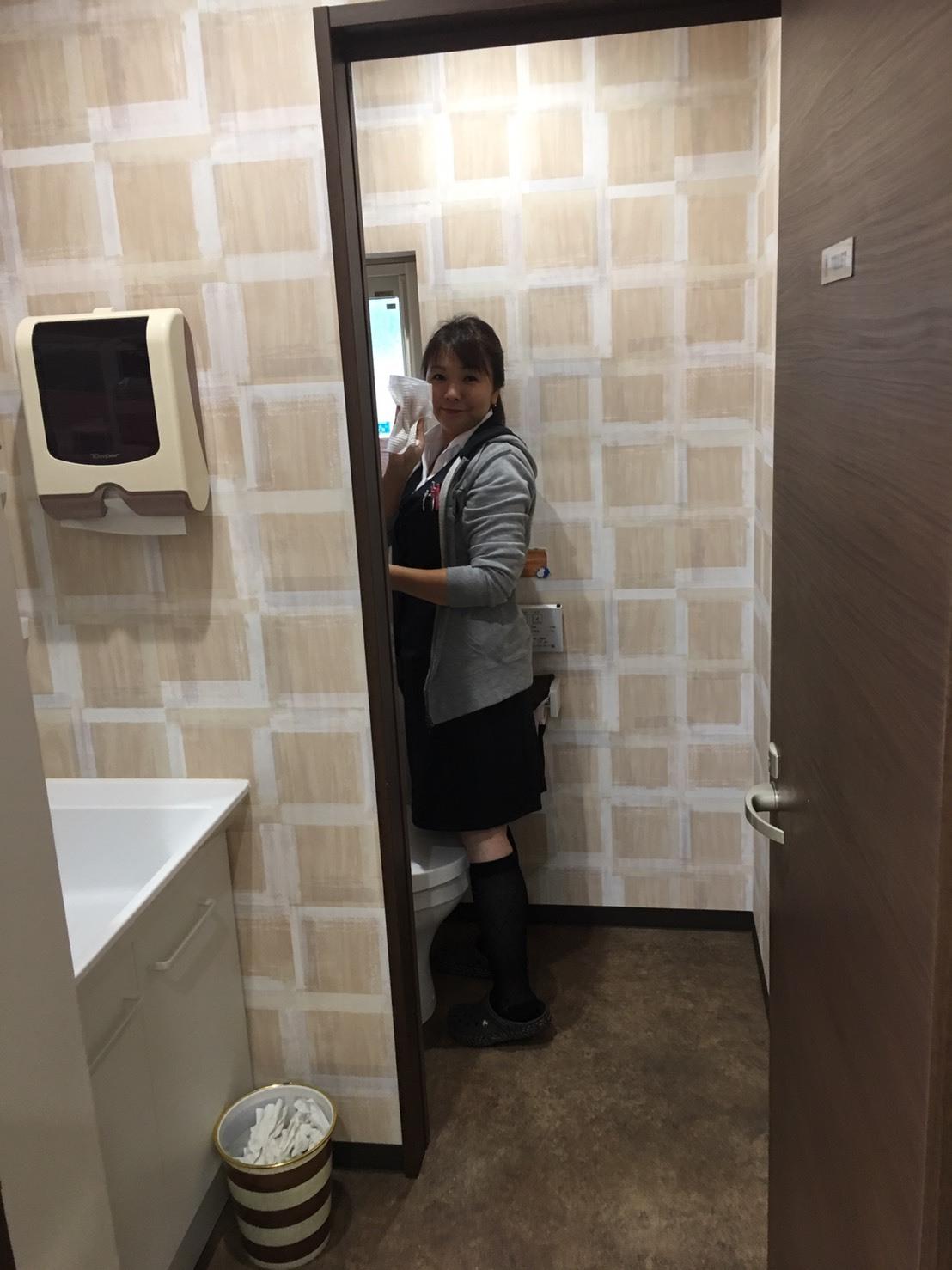 10月4日(金)本店ブログー ランクル ハマー アルファード♪ _b0127002_17140682.jpg