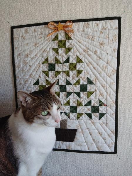 クリスマスツリーのミニタペストリー  2_a0122205_10322966.jpg