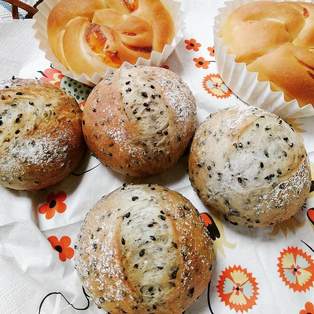10月2日(水) 一つの生地から4つのパン②_d0138307_09032373.jpg