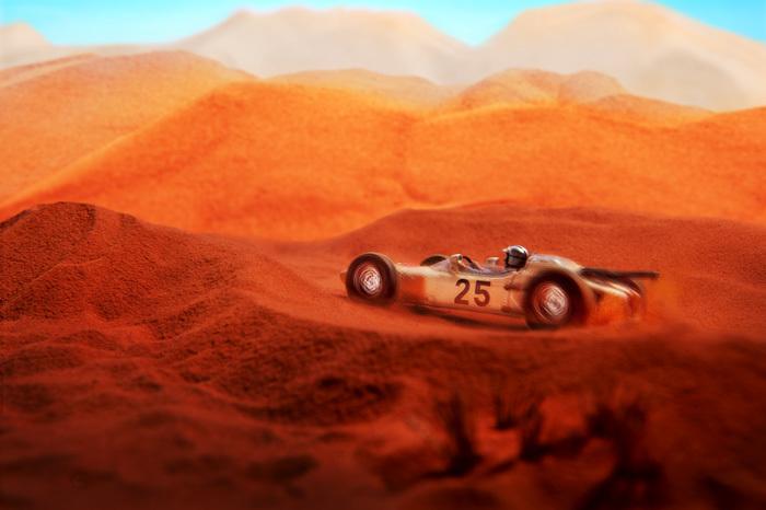 砂漠を走るHONDA F1 RA271_b0175635_14544504.jpg