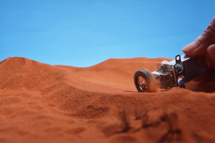 砂漠を走るHONDA F1 RA271_b0175635_14545116.jpg