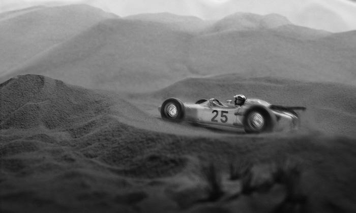 砂漠を走るHONDA F1 RA271_b0175635_14545318.jpg