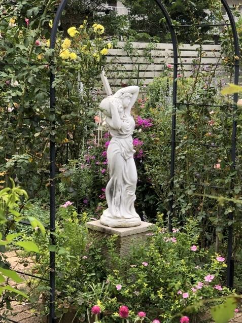 10月上旬の庭の様子「ダリア」「ロシアンセージ」「ムクゲ」_a0243064_18485502.jpg