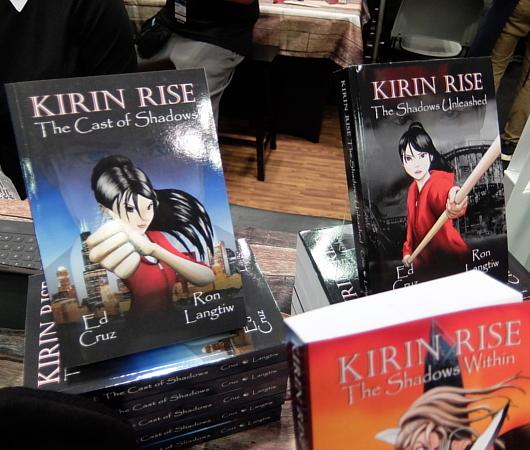 ラーメン屋のカンフー少女の小説⁉、『キリン・ライズ』(Kirin Rise)ブース_b0007805_20585518.jpg