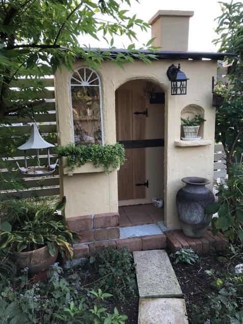 DIY【小屋もどき】煙突とウォールオーナメントを取り付けしました_a0243064_18432329.jpg
