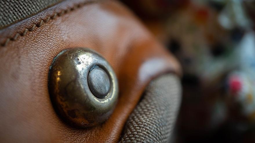 テディベアは見た・・・古き良き英国製カメラバッグ_d0353489_17450331.jpg