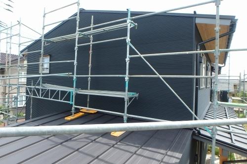 新潟市秋葉区 ガルバリウム鋼板 外壁_c0091593_14274076.jpg