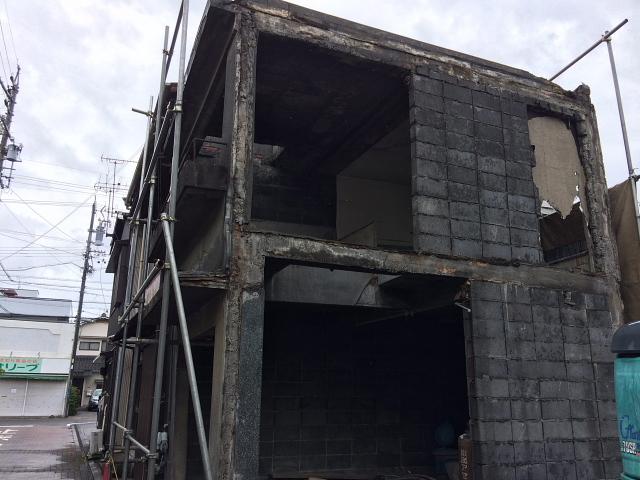 コンクリートブロック造_e0145995_17532342.jpg