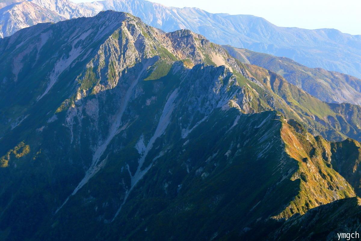 秋山シーズ到来!北アルプスの稜線へ (鹿島槍ヶ岳2)_f0157812_08100777.jpg