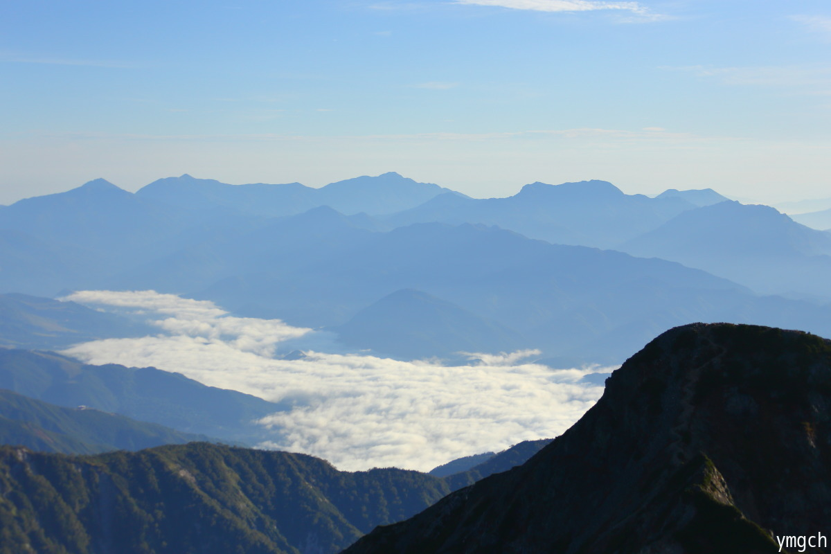 秋山シーズ到来!北アルプスの稜線へ (鹿島槍ヶ岳2)_f0157812_08102045.jpg