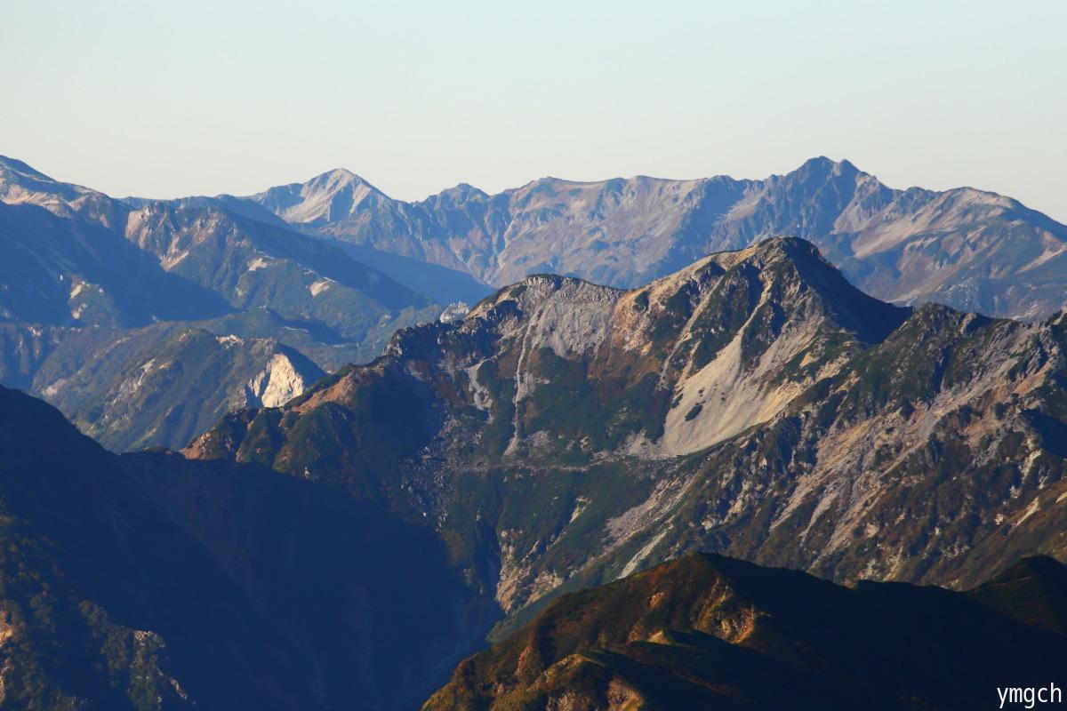 秋山シーズ到来!北アルプスの稜線へ (鹿島槍ヶ岳2)_f0157812_08103361.jpg