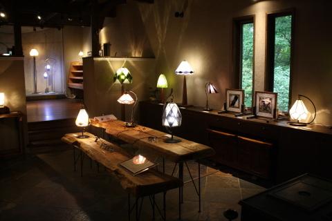 大須賀昭彦 和子 ステンドグラスの灯り展_a0260022_12350400.jpg