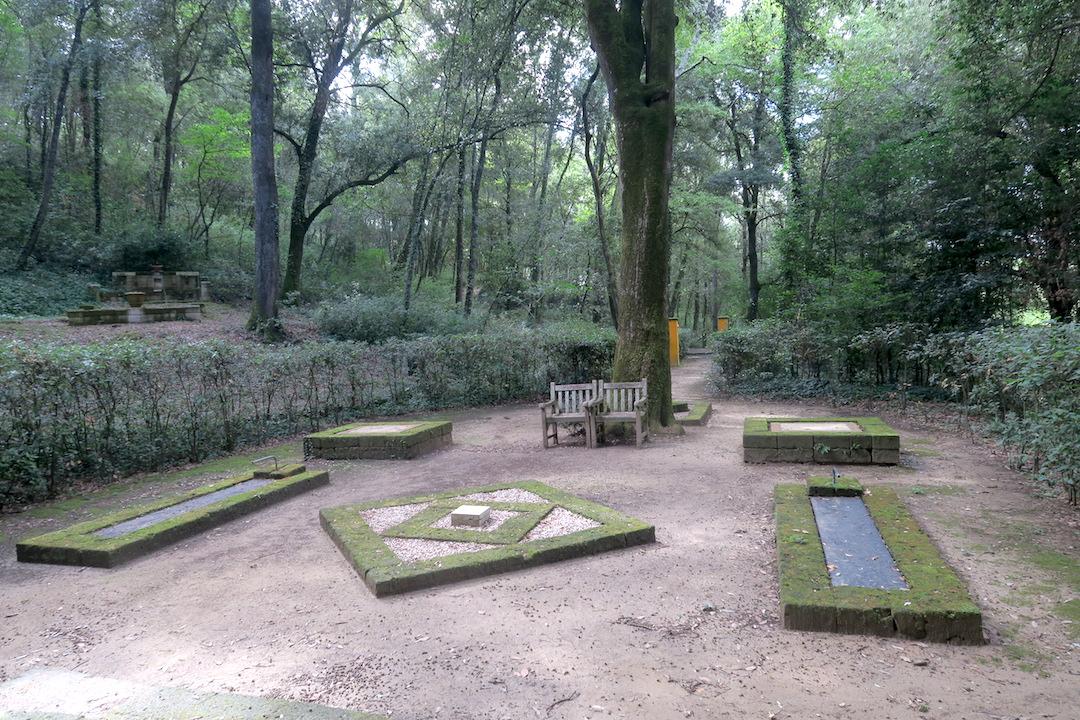 瞑想をさそう緑の芸術の森、Il Bosco della Ragnaia 1_f0234936_892229.jpg