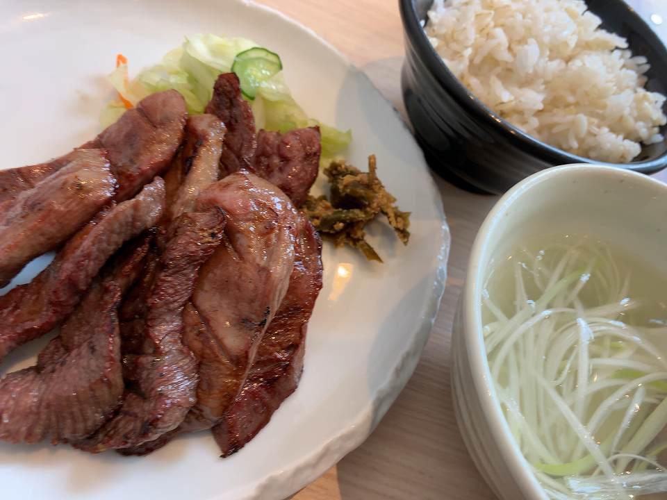仙台の牛たん「牛たん 若」_e0173645_09264217.jpg