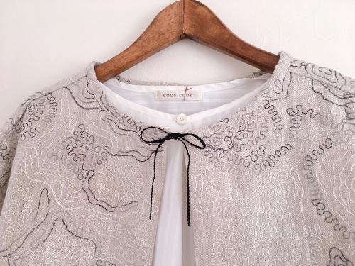 刺繍の入ったリネン生地のショートジャケット_a0232169_16365197.jpg