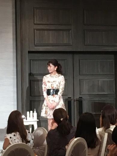 【美容家 石井美穂さんの美の秘訣】_e0253188_04523437.jpeg