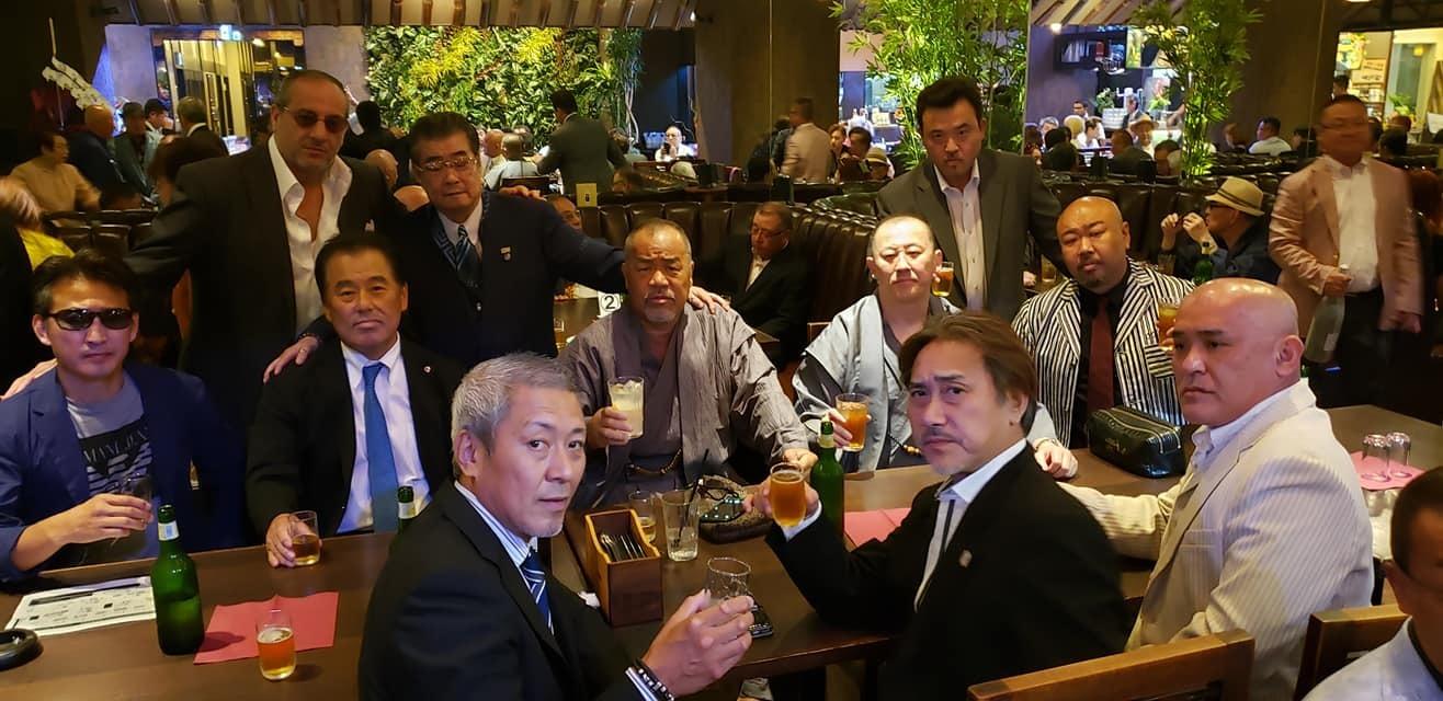 任侠Vシネマの脚本、監督をされ遂に163本の日本記録達成の村上和彦先生(西条高校OB)の75歳の誕生パーティーに出席。<_c0186691_16584042.jpg