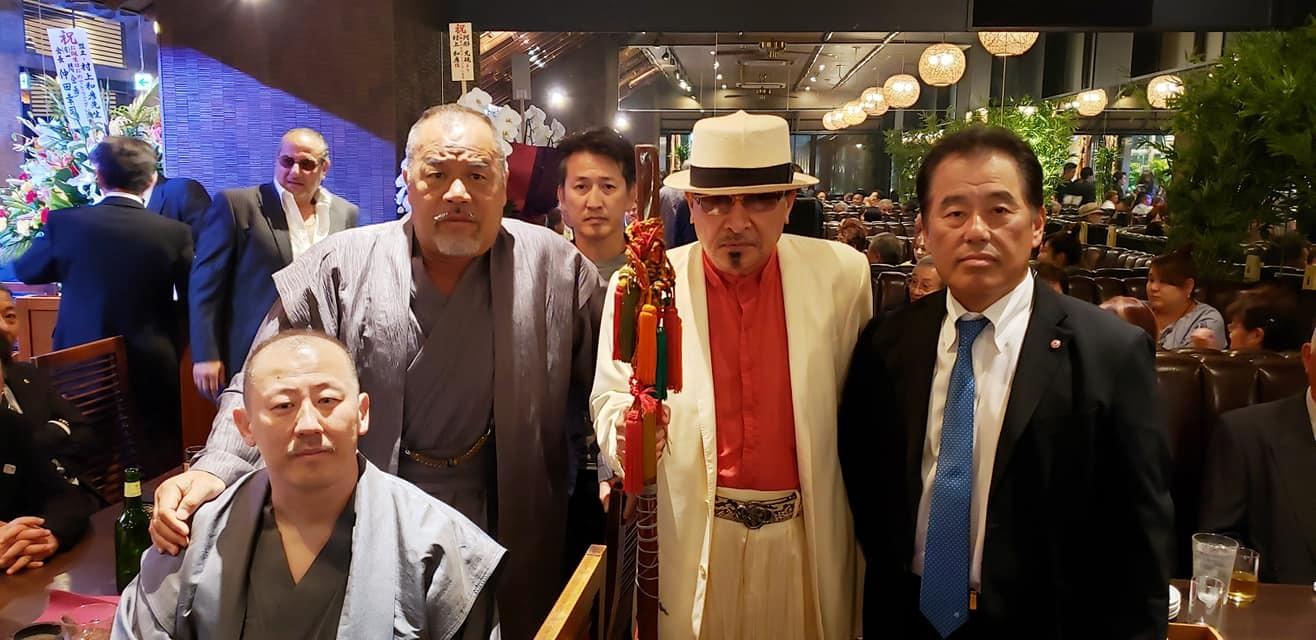 任侠Vシネマの脚本、監督をされ遂に163本の日本記録達成の村上和彦先生(西条高校OB)の75歳の誕生パーティーに出席。<_c0186691_16591841.jpg