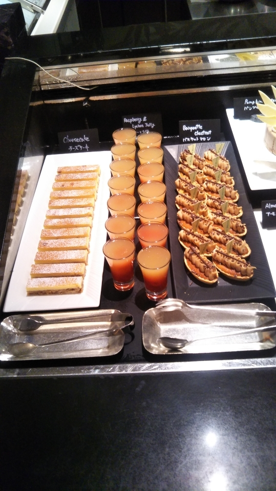 ウェスティンホテル東京 ザ・テラス チョコレートデザートブッフェ_f0076001_23461737.jpg
