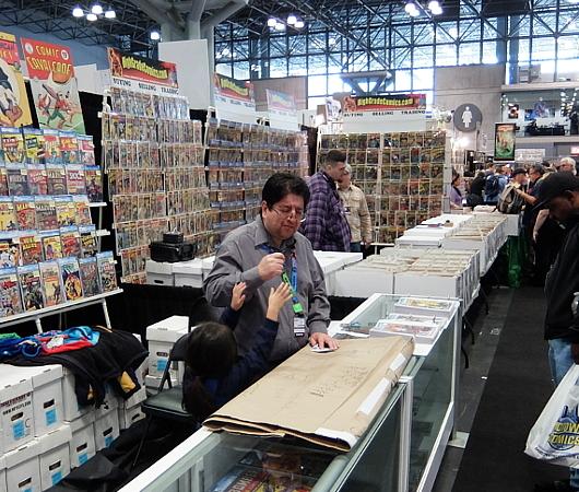 NYCC2019、コミック本ブース内で絵を描く少女に遭遇_b0007805_10300052.jpg