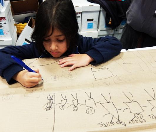 NYCC2019、コミック本ブース内で絵を描く少女に遭遇_b0007805_10414715.jpg