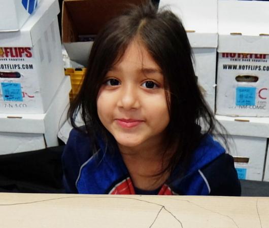 NYCC2019、コミック本ブース内で絵を描く少女に遭遇_b0007805_10430190.jpg