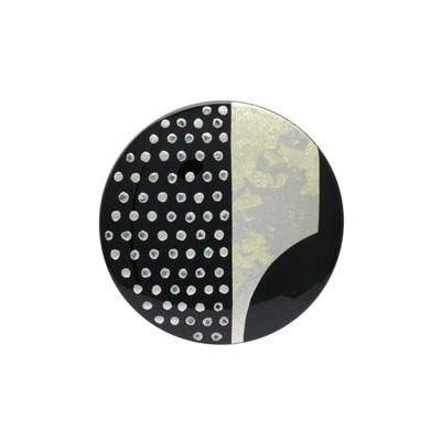 身につける漆 漆のアクセサリー 蒔絵のブローチ 天の川 黒色 坂本これくしょんの艶やかで美しくとても軽い和木に漆塗りのアクセサリー SAKAMOTO COLLECTION wearable URUSHI accessories Makie brooch Milky Way Jet black 漆黒の艶やかさと和木ならではの軽やかさが魅力、シンプルな丸いフォルムに金箔やプラチナ箔・螺鈿をあしらった蒔絵で夜空に浮かぶ美しい満月と星をイメージ、華やかで上品な蒔絵が印象的、かぶれ防止コートで安心してお使いいただけます。  #ブローチ #天の川 #黒ブローチ #蒔絵のブローチ #軽いブローチ #漆のブローチ #螺鈿蒔絵 #漆のアクセサリー #brooc #MakieBrooch #MilkyWay #JetBlack #jewelry #漆 #プレゼント