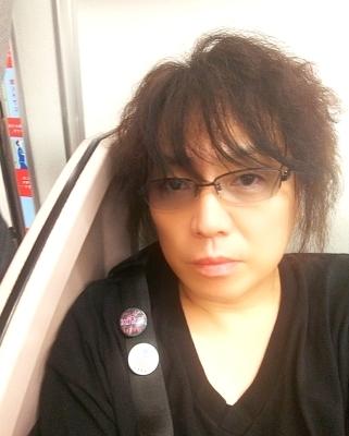 ひろし君と同じ美容師さんにバッサリやってもらいました(;´д`)_b0183113_23045383.jpg