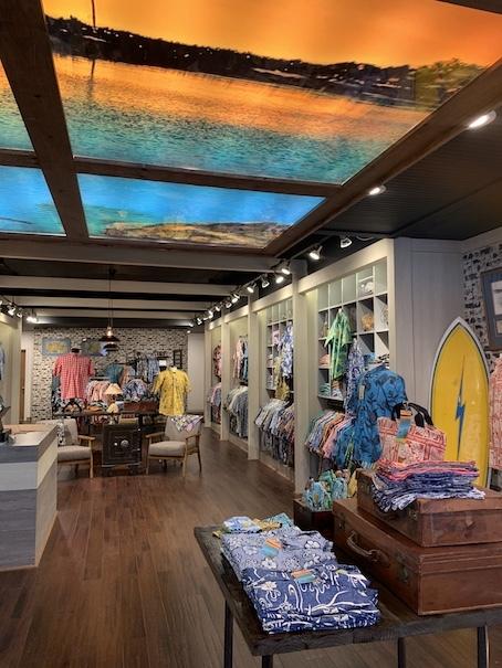 新しいアロハシャツ誕生!「kiholo kai」キホロカイのお店がダウンタウンにオープンしました。_c0187025_12521951.jpg