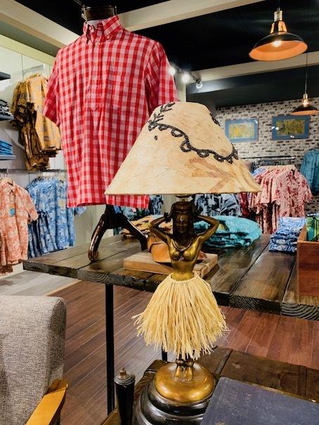 新しいアロハシャツ誕生!「kiholo kai」キホロカイのお店がダウンタウンにオープンしました。_c0187025_12523121.jpg