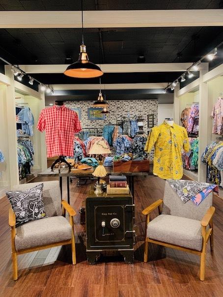 新しいアロハシャツ誕生!「kiholo kai」キホロカイのお店がダウンタウンにオープンしました。_c0187025_12524355.jpg