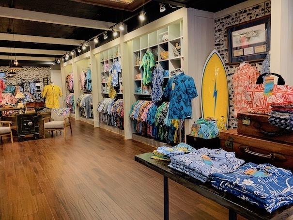 新しいアロハシャツ誕生!「kiholo kai」キホロカイのお店がダウンタウンにオープンしました。_c0187025_12525760.jpg