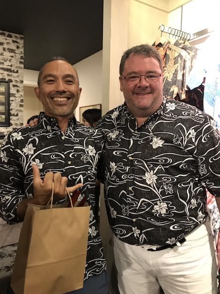新しいアロハシャツ誕生!「kiholo kai」キホロカイのお店がダウンタウンにオープンしました。_c0187025_12572091.jpg