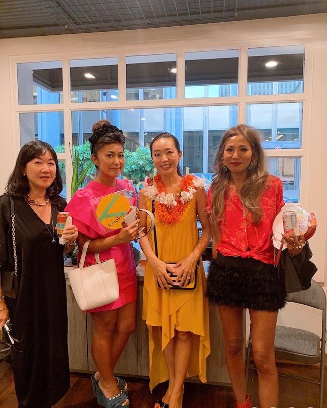 新しいアロハシャツ誕生!「kiholo kai」キホロカイのお店がダウンタウンにオープンしました。_c0187025_12574763.jpg