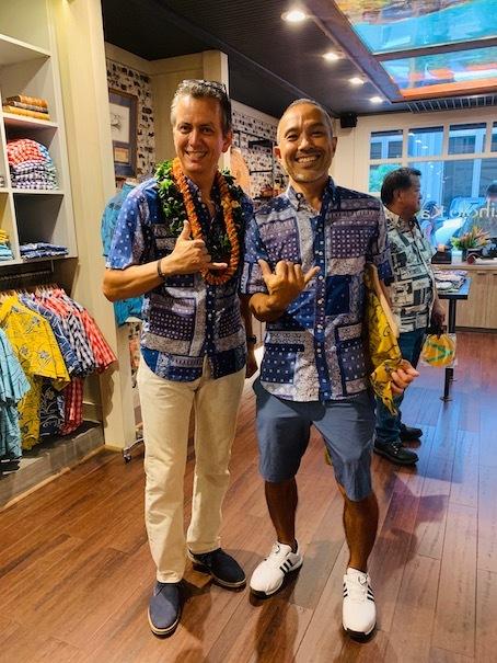 新しいアロハシャツ誕生!「kiholo kai」キホロカイのお店がダウンタウンにオープンしました。_c0187025_12580184.jpg