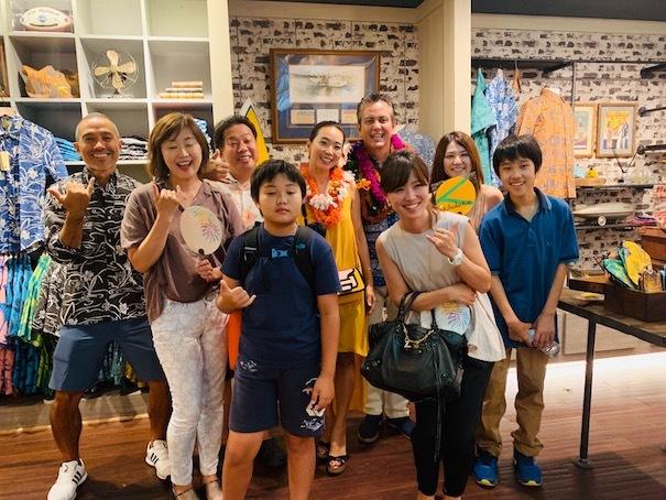 新しいアロハシャツ誕生!「kiholo kai」キホロカイのお店がダウンタウンにオープンしました。_c0187025_13421438.jpg