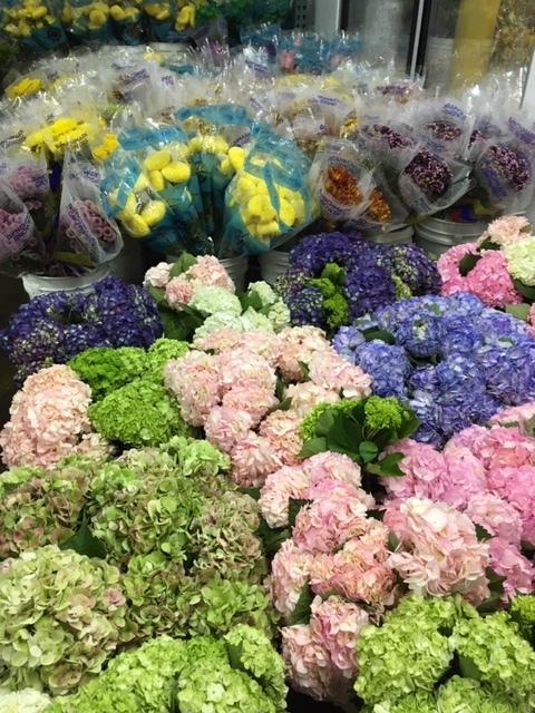 OC Wholesale Flowers の花に圧倒される_e0350971_08070004.jpg