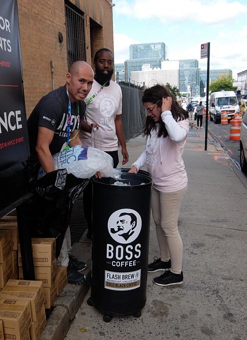 NYCC2019、サントリーの缶コーヒーBOSSのプロモーションに遭遇_b0007805_10440209.jpg